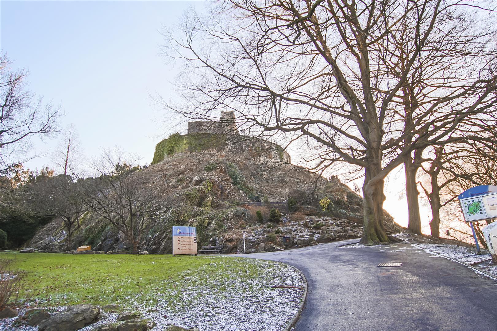 3 Bedroom Semi-detached House For Sale - Clitheroe Castle